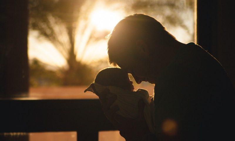 Pourquoi et comment célébrer la naissance de son premier enfant?